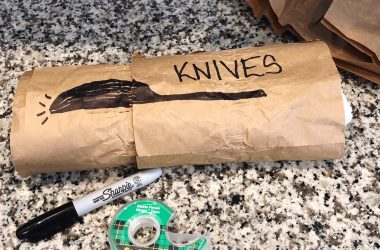 how to pack knives to move