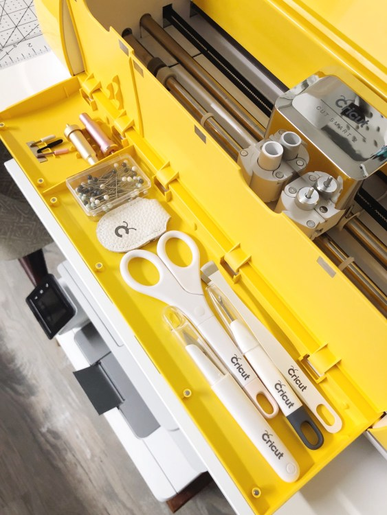 sewing tools in cricut explore compartment
