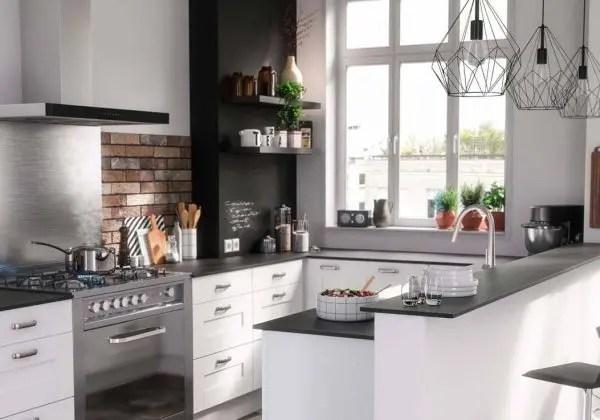 Comment poser un plan de travail sur un meuble d angle - Comment installer une cuisine equipee ...