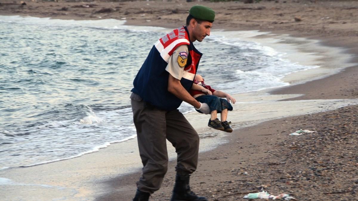 Photo Aylan Kurdi, manipulation par l'émotion !