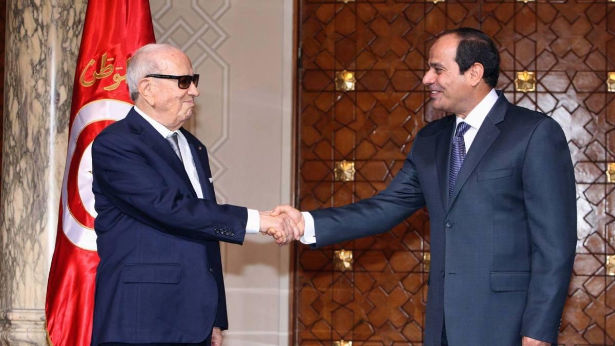 Tunisie – Béji Caid Essebsi en Égypte : protocole, lapsus et selfies