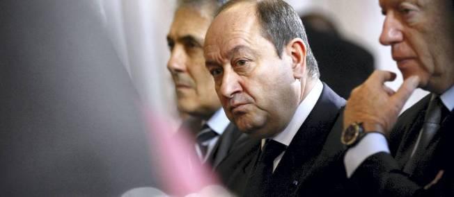 Squarcini accuse Valls d'avoir refusé la liste des terroristes français offerte par la Syrie !