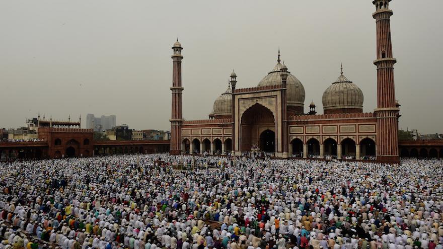 Inde : des théologiens musulmans lancent une fatwa contre Daesh