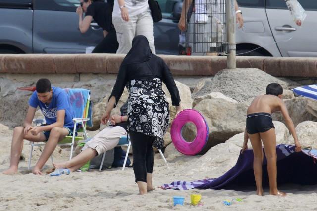 Port du burkini : un débat futile, selon Trudeau