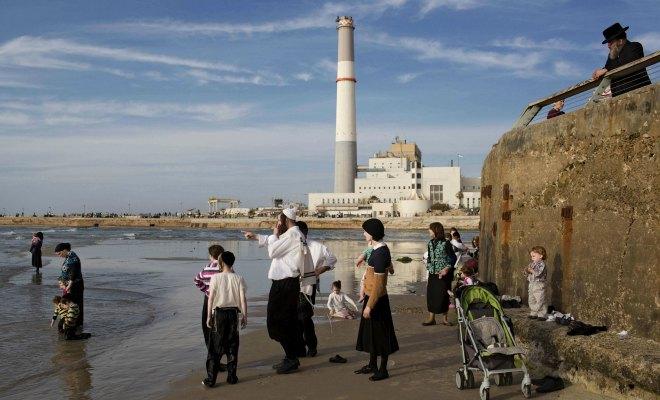 Les juifs et le burkini : un silence ambigu et décevant