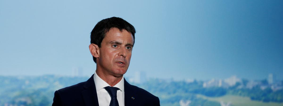 Primaire de la gauche : Valls se tient prêt à être candidat face à Hollande