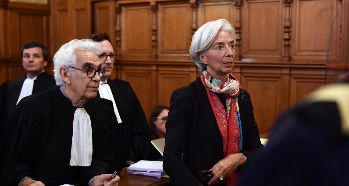 Prévisible : le gouvernement français «maintient toute sa confiance» en Christine Lagarde !!!