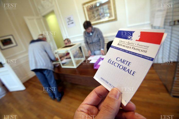 Bulletins de vote disparus, électeurs radiés : la présidentielle française a-t-elle été truquée ?