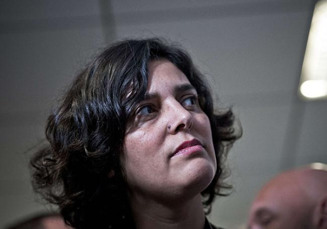 """Il lance un verre d'eau sur Myriam El Khomri et sera jugé pour… """"violences avec arme"""" !"""