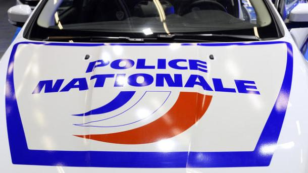 A picture taken on November 17, 2015 shows the National police logo sign on a police car at the 19th worldwide exhibition of internal State security (MILIPOL) in Villepinte, suburbs of Paris. AFP PHOTO / BERTRAND GUAY / AFP PHOTO / BERTRAND GUAY