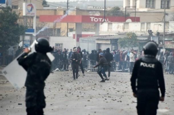 heurts_police_tunisie