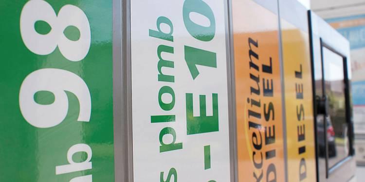 Les prix des carburants flambent ? La faute surtout aux taxes !