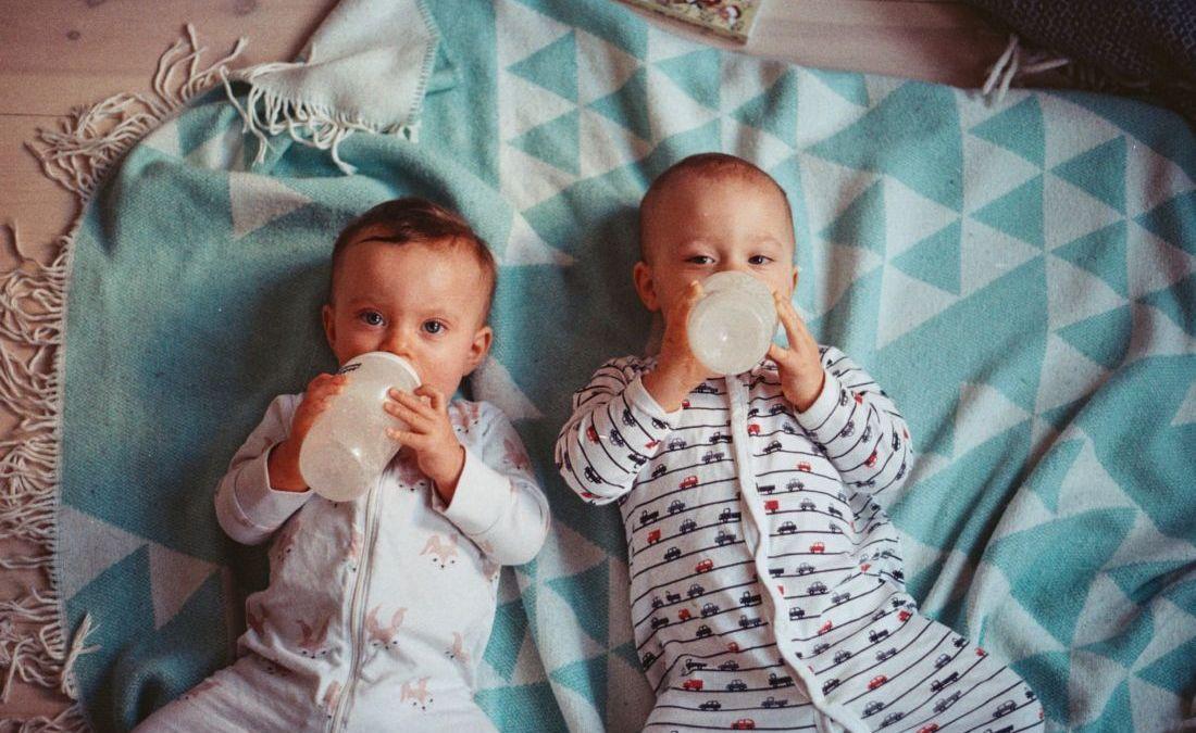 Dégénérescence : les « Theybies » élèvent leur bébé dans un monde sans genre !