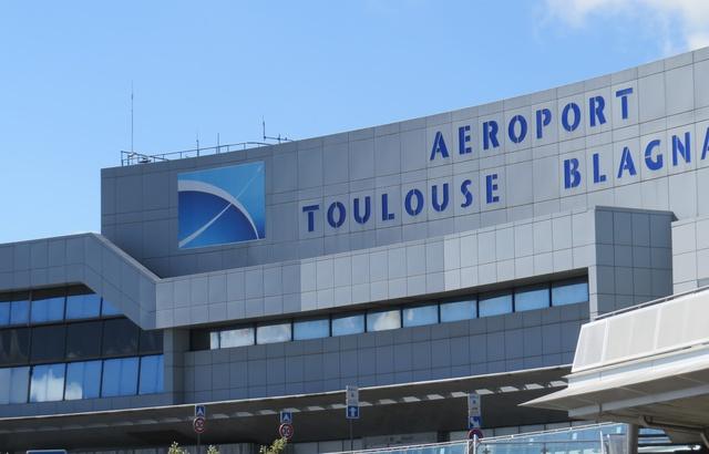 La privatisation de l'aéroport de Toulouse, validée par Macron, est un « échec » à ne pas répéter dixit la Cour des comptes