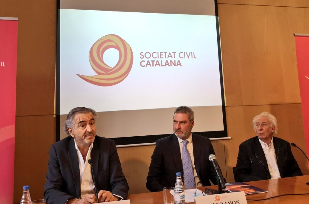 Botul arrive à Barcelone pour soutenir Manuel Valls