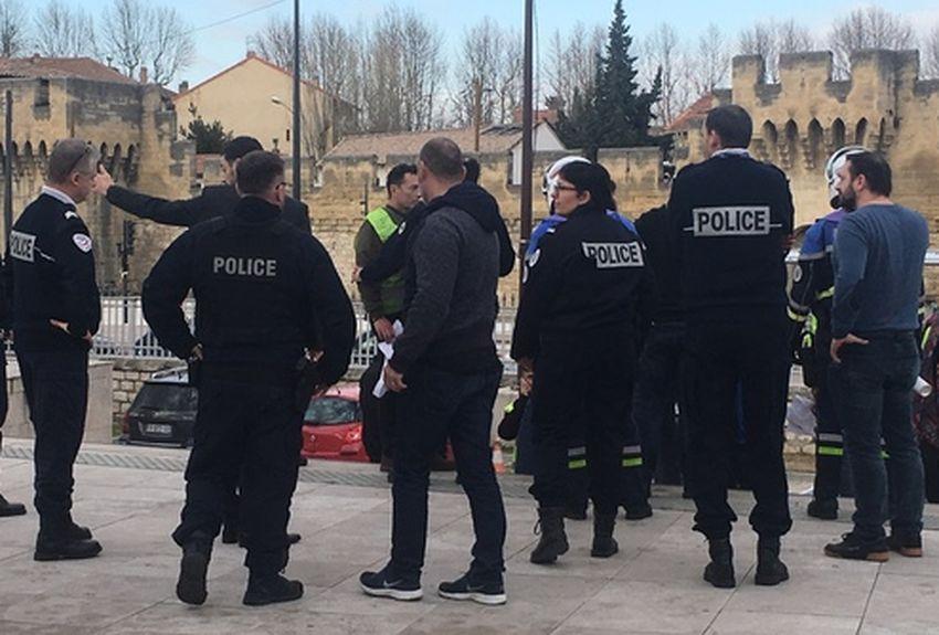 Avignon : les gilets jaunes viennent déposer plainte et finissent en garde à vue