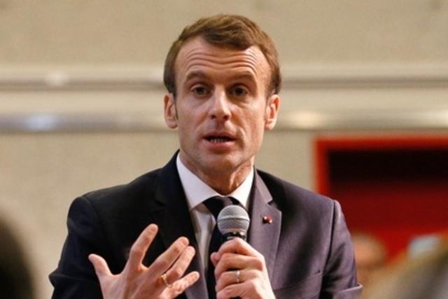 Humour : pour Macron, la Suisse « n'est pas du tout un exemple…»