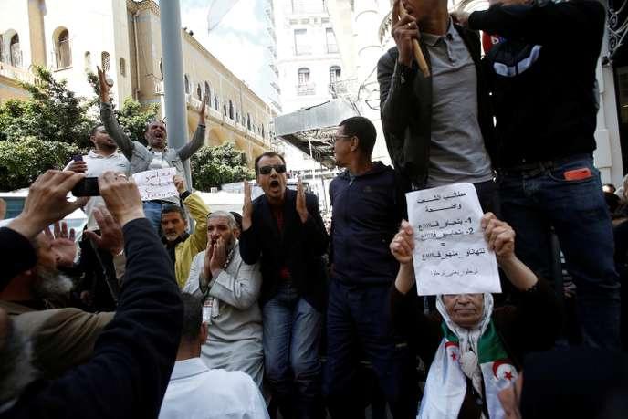 En Algérie, la purge des proches de Bouteflika