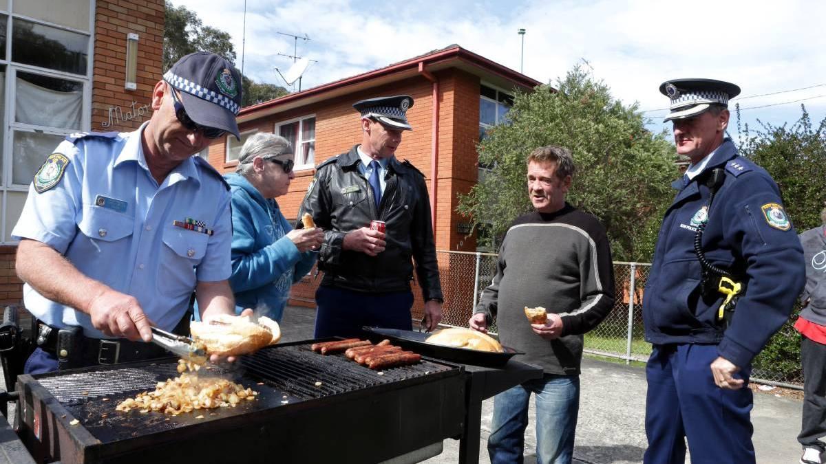 Le directeur de la Police nationale préconise BBQ et pique-niques pour prévenir les suicides !