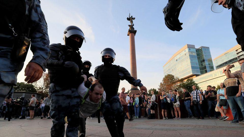 Hypocrisie : pour l'UE Moscou porte « atteinte aux libertés fondamentales » !