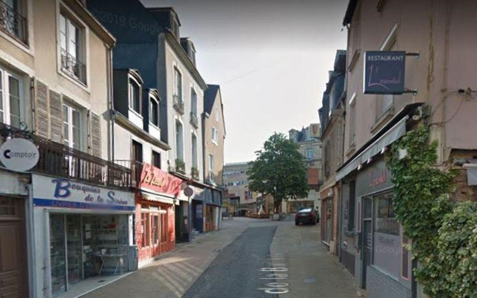 Le Mans : des militants d'extrême droite saccagent des commerces du centre-ville