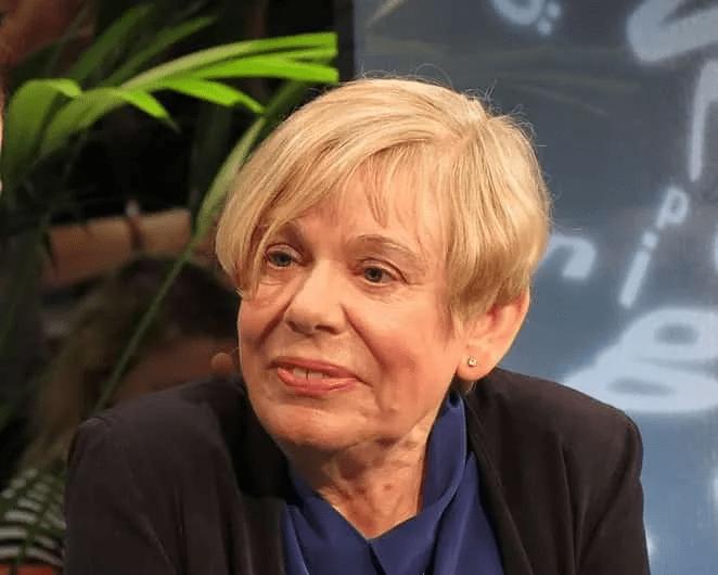 Karen Armstrong, spécialiste des religions : « l'islam prône la justice sociale, pas le Djihad guerrier »