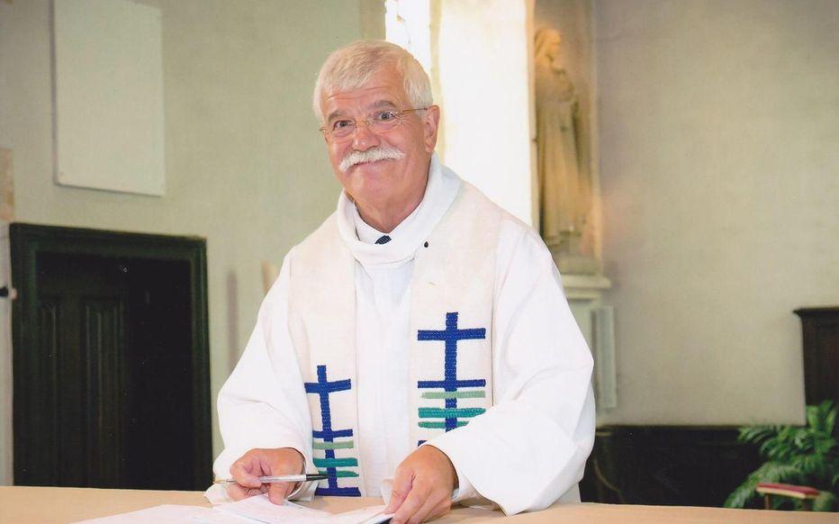 Un prêtre défend l'idée d'un carré musulman au cimetière contre l'avis du maire !