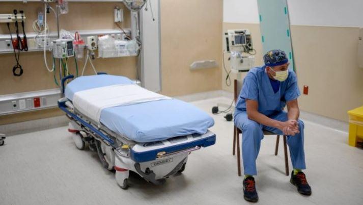 """""""J'estime que 80 % des diagnostics de covid sont faux, surtout sur les causes de décès"""", la lettre d'un médecin pneumologue """"à bout de nerfs"""""""
