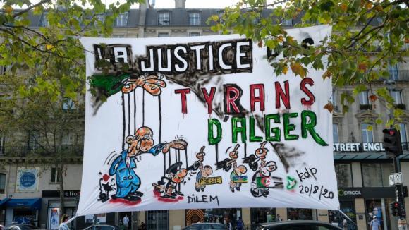 L'indulgence de la France face à la répression de la contestation en Algérie