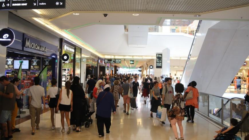 Pass sanitaire : une « mesure discriminante », le centre commercial de la Part-Dieu à Lyon prêt à désobéir ?