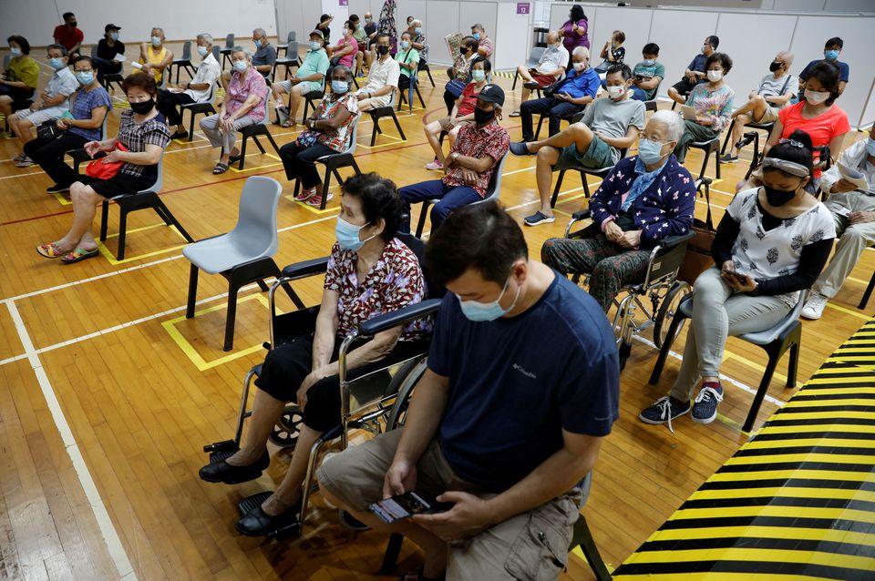 Les patients covid-19 gravement malades doublent à Singapour malgré 81% de vaccination !