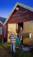 Bosse och Jan-Åke diskuterar, båtar såklart