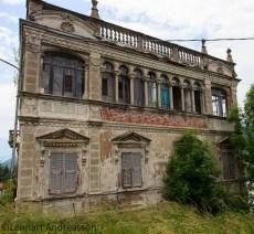 fasad ödehus Serra di Pamparato