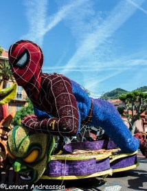 Spiderman tillverkad helt i blommor