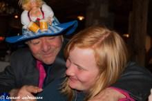 Tony Massara försöker få igång Linnea på Aprés Ski