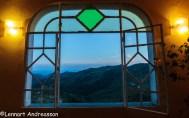 Vy från restaurant i bergen