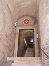 Casa dei Cavalieri di Rodi: scalinata ingresso