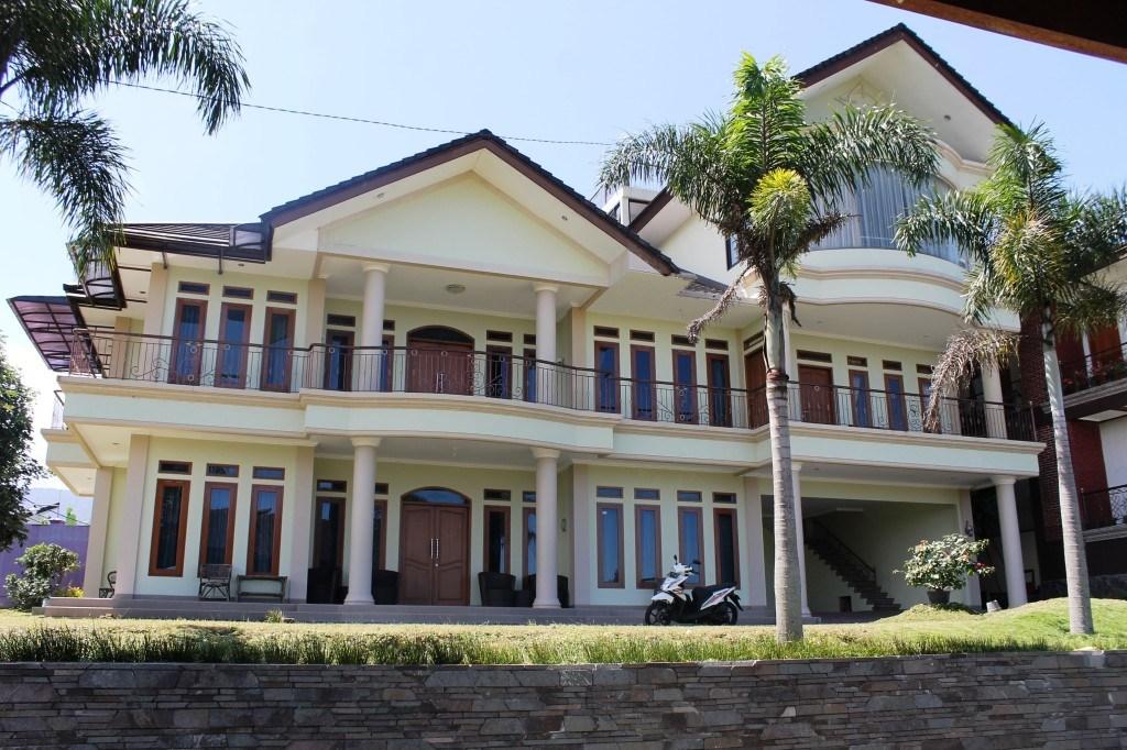 villa di lembang untuk 50 orang