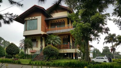 Villa Kuning