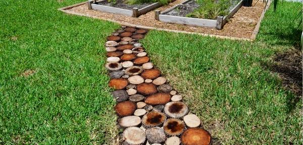 jalan setapak kayu