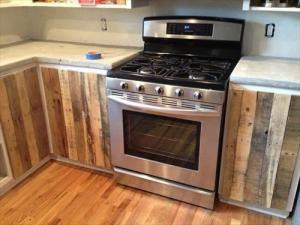 kabinet dapur dari kayu palet
