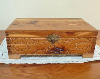 kotak kayu tempat perhiasan