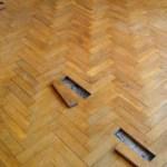 lantai kayu rusak