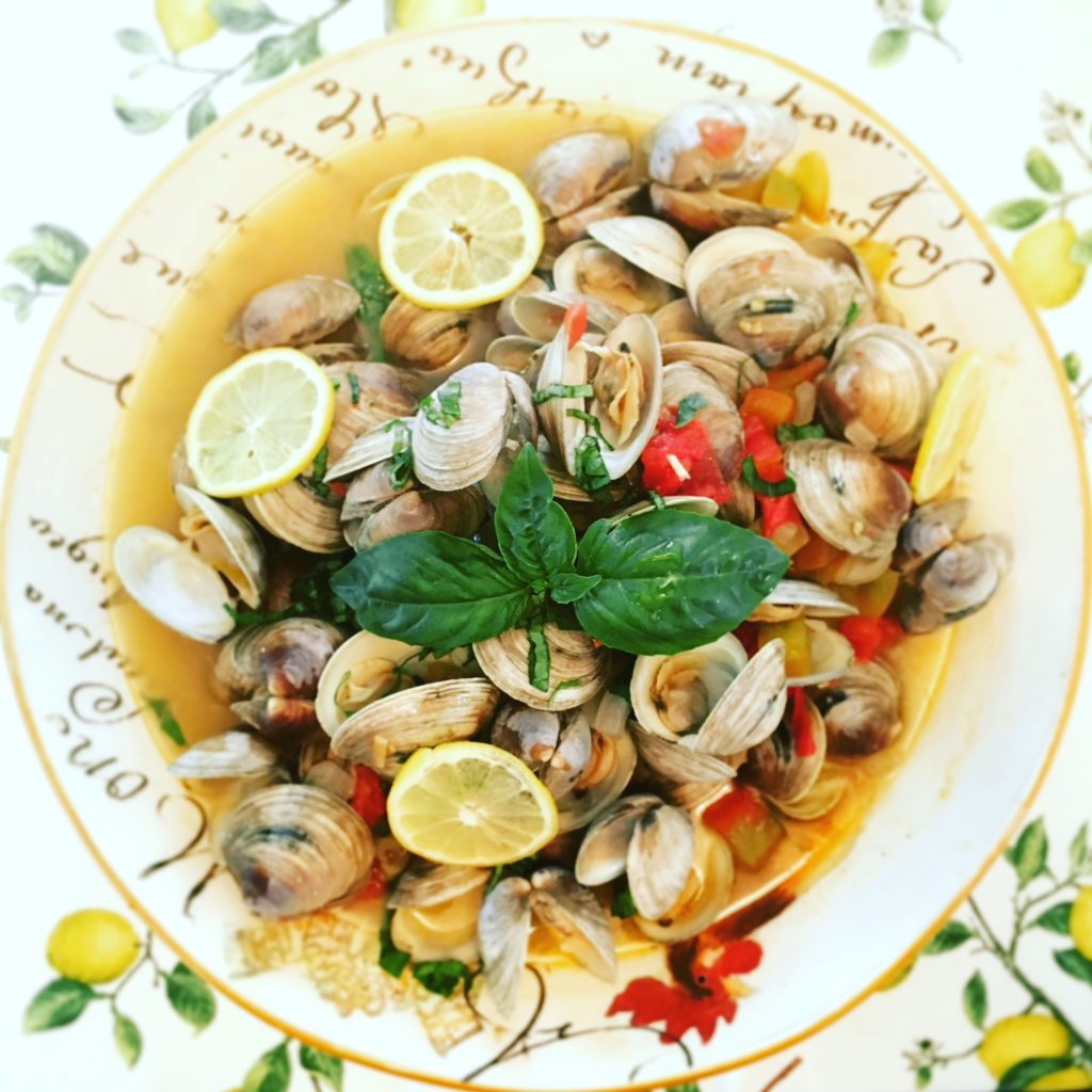 Littleneck Clams in Wine and Tomatoes
