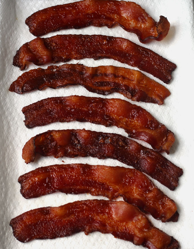 How to Perfectly Cook Bacon in the oven without the mess! This is how the restaurants do it! Perfect every time!!!!
