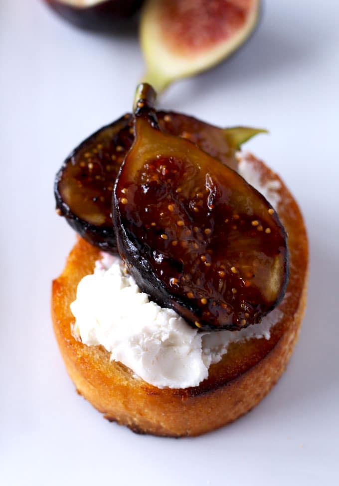 Caramelized Figs with Honey and Goat Cheese Crostini is perfect for entertaining. Easy to make and sure to impress your guests.
