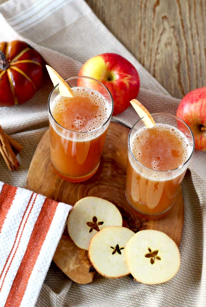 Harvest Shandy ~Spiced apple cider and pumpkin beer are the perfect combination for this easy 2 ingredients cocktail