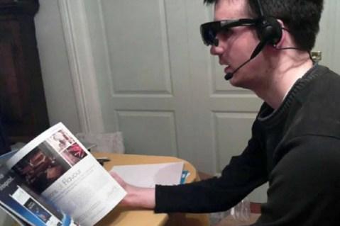 Versão caseira do óculos do Google