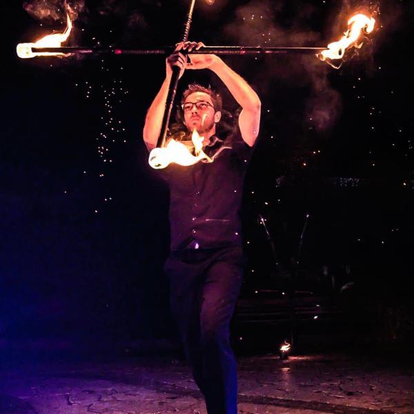 Le Monde de Félix Spectacle de magie animation feu luminière ballon Lyon Rhone-Alpes France (13)