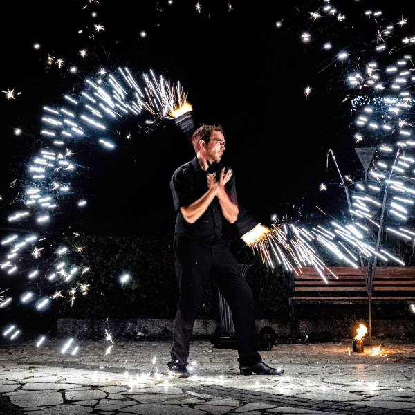 Le Monde de Félix Spectacle de magie animation feu luminière ballon Lyon Rhone-Alpes France (19)